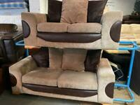 GORGEOUS FABRIC SOFA SET 3+2 SEATER IN EXCELLENT CONDITION