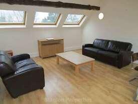 3 bedroom flat in Palatine Road, Didsbury