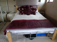 Wood and metal double bed stead