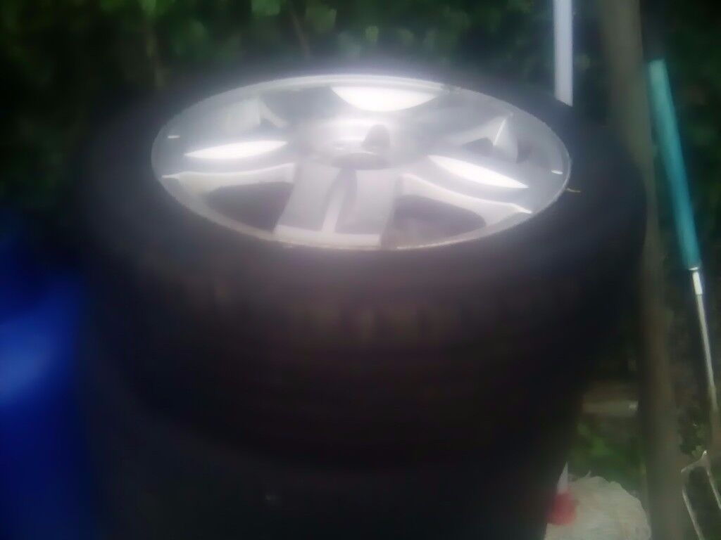 Alloy wheel trims and tyres