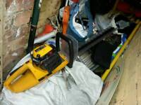 Jcbpetrol hedge trimmer