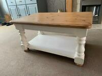 Pine solid wood coffee table