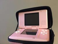 ONO - Nintendo DS with Pokémon Diamond and Zelda: Phantom Hourglass