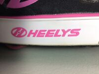 Childs Heelys Size2/34 excellent condition black and hot pink