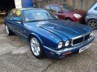 Jaguar XJ6 sport.