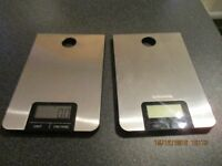 ELECTRONIC KITCHEN SCALES.