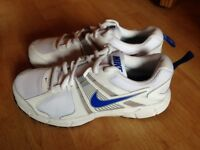 Nike Dart 10 Junior MotionFIT Running Shoes/Trainers (Size 4)