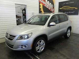 2010 Volkswagen Tiguan 2.0, 4 motion, toit panoramiques, mags, a
