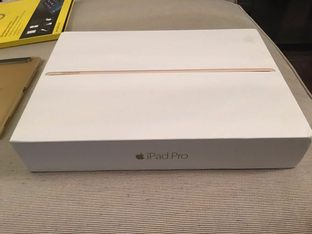 apple ipad pro 12 9 128gb gold wifi and 4g cellular new boxed full apple care warranty bargain. Black Bedroom Furniture Sets. Home Design Ideas