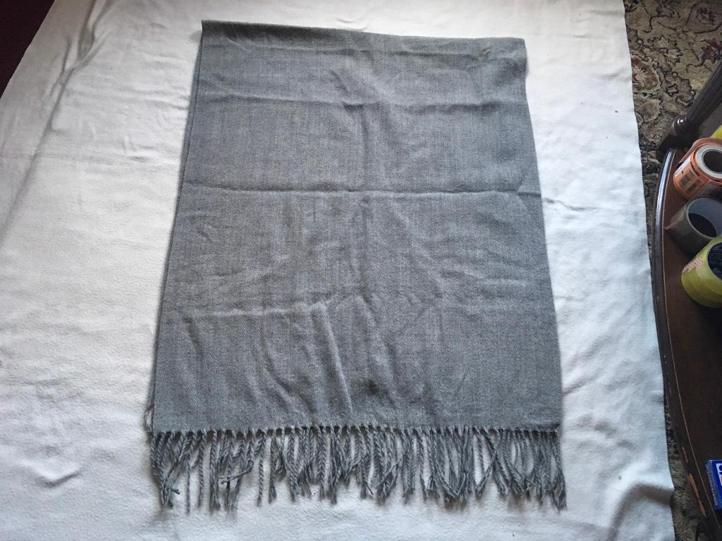 ee0902638 Light wool ladies scarf grey used £2 | in Leicester, Leicestershire ...