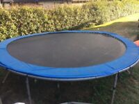 Trampoline / used 14ft