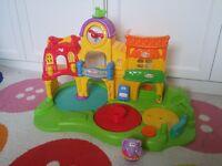 Playskool Weebles Webleville School Town Centre Postage £7.50