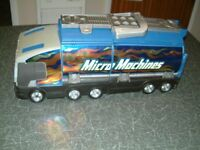 Micro Machine Super Stunt City By Hasbro. In Very Good clean used condition.