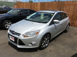 2014 FORD FOCUS SE- SUNROOF, SYNC, LEATHER INTERIOR & WRAP WHEEL