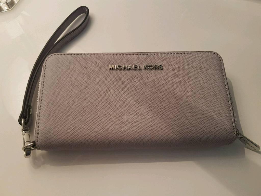 a66c10c1469c Genuine michael kors purse brand new