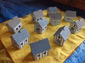 SMALL MODEL HOUSES