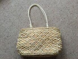 Ladies woven straw bag -NEW