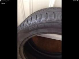 Winter tyres Four Avon 245/45 R17