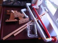 Lot 7/2plastic towel bars/2wooden/1 plast.wall hook/2toiletpaph