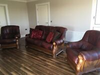 Pristine Oxblood (Dark Red) Leather & Oak Suite: 3-1-1 Sofa/Couch & two Armchairs