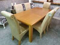 (As New) Solid Oak Extendable Dining Table 6 Chairs