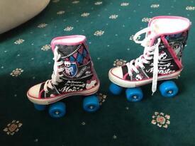 Mint condition monster high roller skates