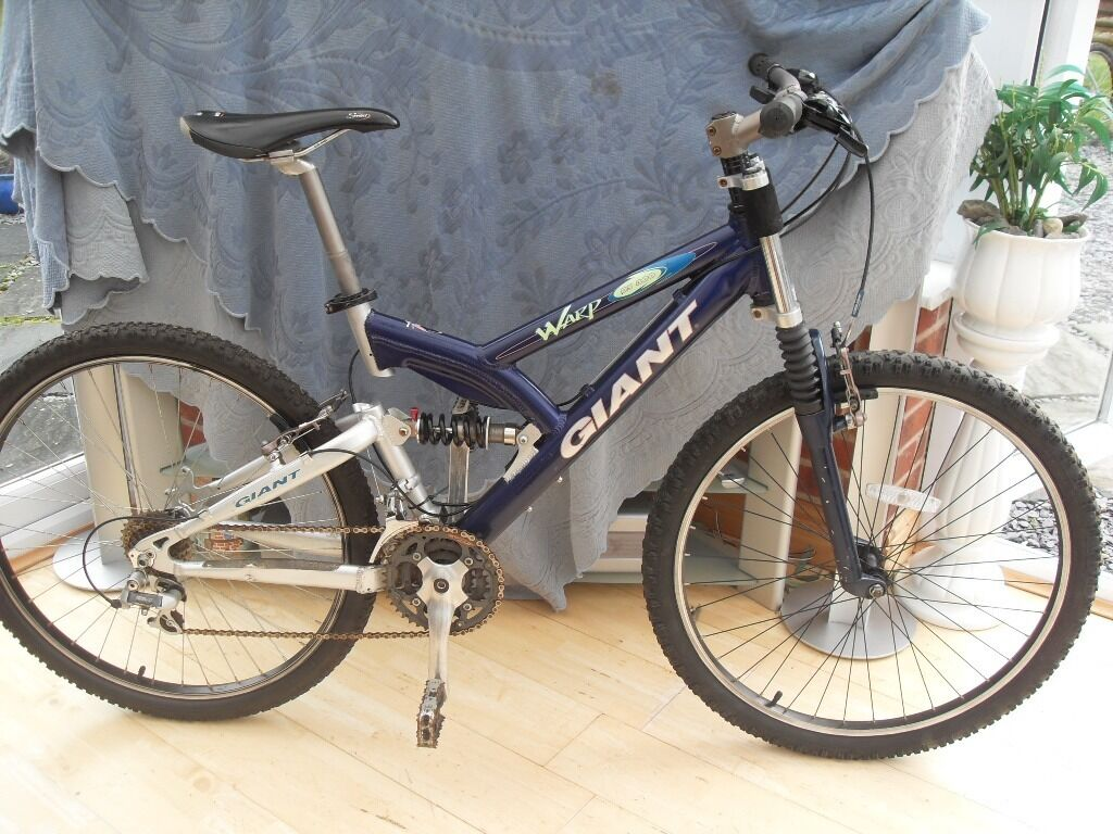 Adults Very Good Quality Giant Warp Ds300 Full Suspension Mountain