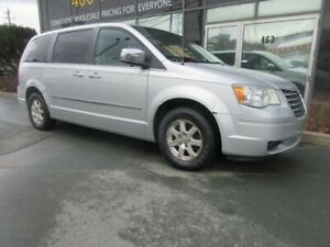 2009 Chrysler Town & Country TOURING W/ LEATHER, ALLOYS & DVD PL