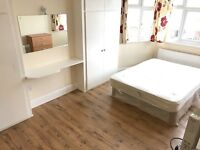 Large double room - Finchley Central - Bills Included