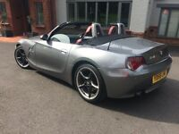 BMW Z4 2.0i Sport - Grey, red leather Great condition - New roof motor with warranty