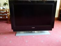 Phillips 37 inch Ambi light Smart TV in very good working condition.
