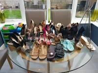 Ladies shoes Size 4's 22 pairs