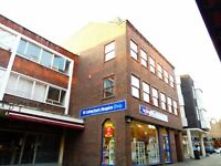 LARGE ONE BEDROOM APARTMENT IN THE CENTRE OF REDHILL