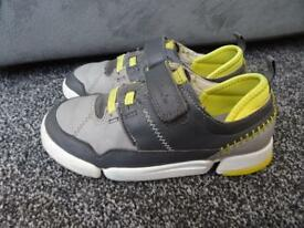 Clarks boys shoes 11.5 F