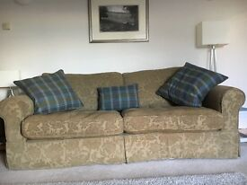 Country Style 3/4 seater sofa