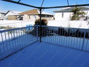 LARGE 3 BED+ DEN, 2.5 BATH WITH DBL ATTACHED GARAGE IN N.W. Edmonton Edmonton Area image 12