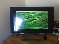 Wacom Cintiq 22HD Touch - Excellent condition, barely used.