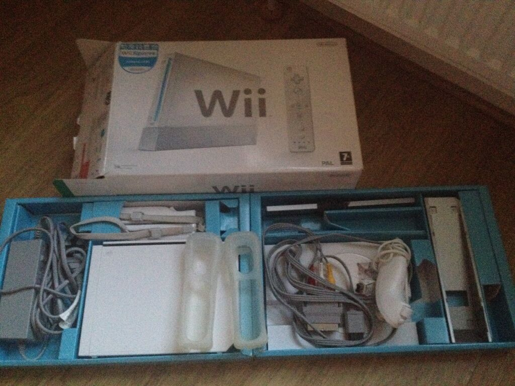 nintendo wii wii fit balance board plus games and accessories in salisbury wiltshire gumtree. Black Bedroom Furniture Sets. Home Design Ideas