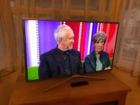 """Samsung 40"""" full hd smart WiFi led tv.SILVER.New model.Full working order £240 NO OFFERS."""