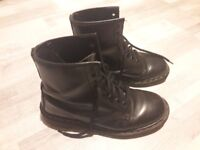 Dr / Doc Martens boots size 38.5 / 39 UK size 5.5 / 6 in great condition