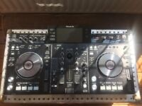 Pioneer XDJ RX - Club standard features including Beat Sync, Slip Mode and Quantized cues and loops