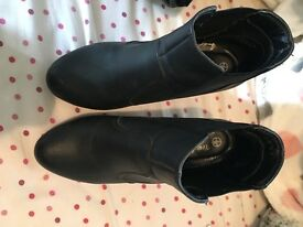 Black heeled boots size 3 New look