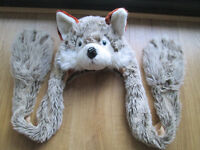 GIRLS WOLF HAT / SCARF COMBO - NEARLY NEW - AGE 7-10 YEARS - EXC. COND.