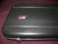Gator Deluxe Guitar Hard Case.