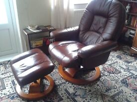 2 X SINGLE SWIVAL BROWN REAL LEATHER RECLINING CHAIRS & FOOTSTOOL