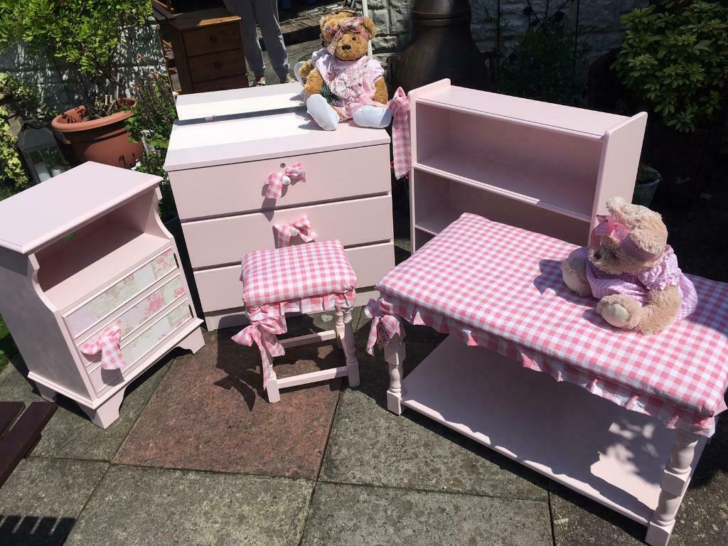 pretty nice 3ed7e 1f8c5 Childrens dressing table set | in South Elmsall, West Yorkshire | Gumtree