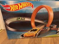Hot Wheels Super 6-In-1 Race Set. Brand new unopened box.