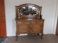 Beautiful Georgian Oak Sideboard with Oval Mirror