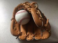 "Unused Franklin Catchers Mitt & Ball (young boy's 9.5"")"