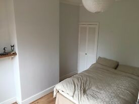 Double room to rent in Selly Park. Excellent transport link and close to Moseley.
